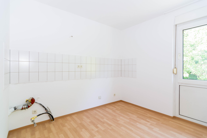 Praktisch geschnittene kleine Wohnung mit Stellplatz und neuer Küche ...